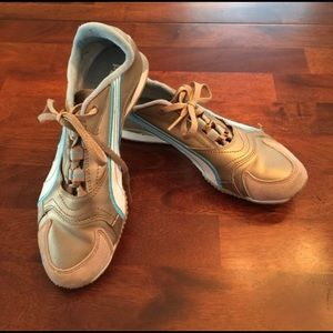 Puma sneakers gold with baby blue details size 6
